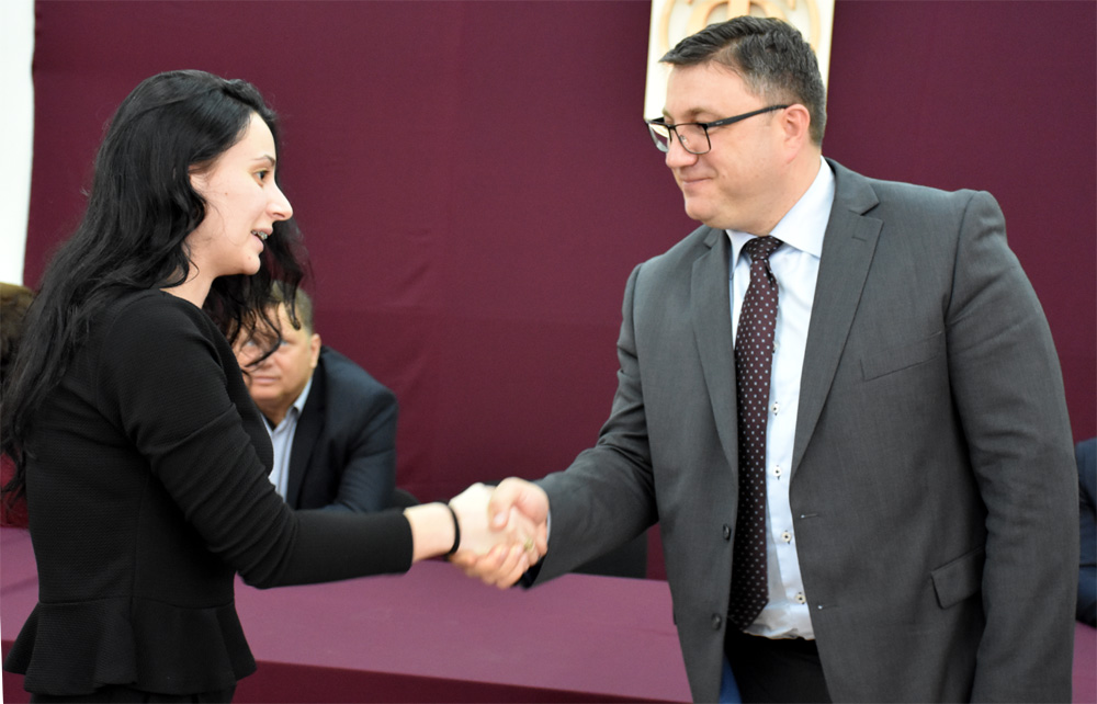 АД ЕЛЕМ ги продолжи договорите за стипендирање на 12 студенти на Техничкиот факултет Битола